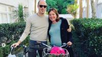Tak Muat Naik Mobil, Menteri Ini Nekat Bersepeda ke Rumah Sakit untuk Melahirkan