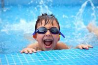 Jangan Sibuk Main HP! Banyak Anak Tenggelam karena Orangtua Terlalu Fokus ke Gadget