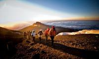 Mengenal Caca, Pendaki Cilik Penakluk 10 Gunung di Indonesia