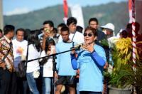 Menteri Susi Tenggelamkan 125 Kapal Pencuri Ikan Secara Serentak