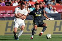 Perpanjang Kontrak, Pjanic Bertahan di Juventus hingga 2023