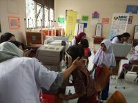 MNCTV Beri Bantuan Kacamata Gratis kepada Siswa SD di Tangsel