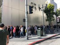 Penjualan iPhone XS di San Francisco Diwarnai Server Error, Pembeli Kecewa
