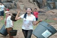 Kunjungi Kampung Sentak Dulang, Alya Nurshabrina Ajak Warga Mengolah Hasil Tani
