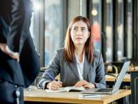 Mengejutkan, Kepuasan Wanita Karier Justru Menurun saat Dapat Promosi Kerja