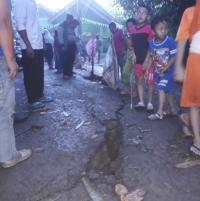 Tanah Bergerak Gegerkan Warga Tangerang, Sebuah Rumah Rusak