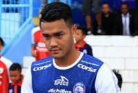Pemain Arema FC Minta Maaf Usai Buat Blunder di Laga vs PSM