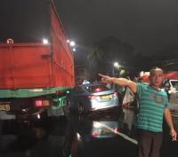 Taksi dan Truk Tabrakan di Tanah Abang
