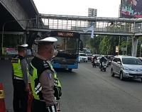 Lalu Lintas <i>Underpass</i> Semanggi Padat, Simpang Pancoran Ramai Lancar