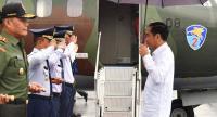 Gubernur Papua Sambut Kedatangan Presiden Jokowi di Bandara Merauke