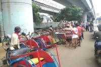Soal Becak Online 'Beol Cepirit', DPRD DKI: Yang <i>Mboten-Mboten</i> Aja!