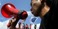 Aksi Tutup Mulut Warnai Orasi Ilmiah JK di Bandung