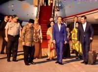 Jokowi Tiba di Surabaya Usai Hadiri KTT APEC di Papua Nugini