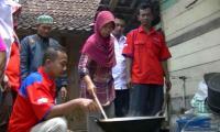 Tingkatkan Kesejahteraan Masyarakat, DPD Rescue Perindo Gunungkidul Latih Warga Olah Kelapa
