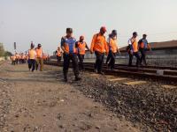 Jelang Natal dan Tahun Baru, 6 Titik Jalur KA Rawan Banjir Dijaga 24 Jam