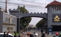 Pasukan Marching Band Polisi Berbaris di Lapangan Mako Brimob, Ada Apa?