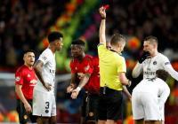 Amukan Pogba di Ruang Ganti Man United Setelah Diganjar Kartu Merah