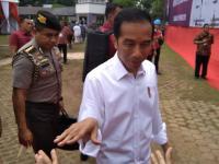Usai Bagikan Sertifikat di Tangerang, Jokowi: Kalau Mau Usaha Tak Perlu Pinjam Modal ke Rentenir