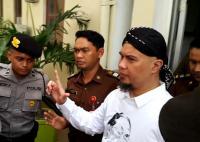 Ahmad Dhani Ngaku Dilarang Bicara ke Media oleh Polisi
