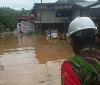 Jayapura Diguyur Hujan Lebat, Air Setinggi Dada Orang Dewasa Genangi Perumahan