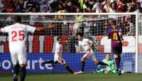 Barcelona Tertinggal 1-2 dari Sevilla di Babak Pertama