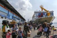 Balada Pelabuhan Tanjung Perak: Sejarah dan Kejayaan