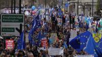 Ratusan Ribu Orang Berdemonstrasi di London Memprotes Brexit