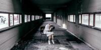 Gangguan Jiwa, Gadis Ini Nekat Makan Jari Tangannya Sendiri