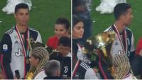 Gara-Gara Ronaldo, Kepala sang Anak Terbentur Trofi Liga Italia