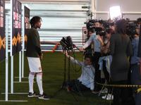 Tak Ingin Rivalnya Bahagia, Iwobi Berharap Tottenham Kalah dari Liverpool