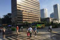 Meski Masih Ditutup, Jalan MH Thamrin Sudah Ramai Pejalan Kaki
