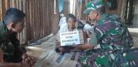 Akses Warga Sulit, Satgas Yonif 725 Bagikan Sembako dan Pengobatan Gratis di Amgoto