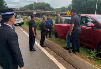 Turun dari Mobil untuk Bantu Korban Kecelakaan, Raja Malaysia Buat Heboh Publik