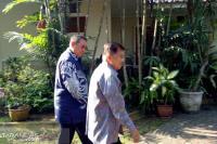 Jusuf Kalla Sambangi Kediaman SBY di Cikeas