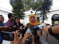 Hendak Nikahkan Putrinya, Khofifah Minta Doa ke Netizen yang Budiman