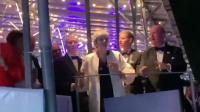 Aksi Theresa May Berjoget Jelang Mundur dari PM Inggris