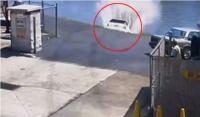 Injak Pedal Gas Alih-Alih Rem, Mobil di New Jersey Terekam Meluncur Masuk ke Sungai