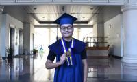 Kisah Perjuangan Anak Tukang Becak Lulus di ITB Berpredikat <i>Cumlaude</i>