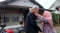 Potret Haru Kembalinya Ganjar Pranowo ke Rumah Mbah Siti