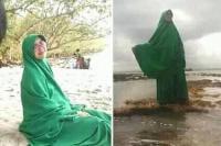 Viral Emak-Emak Pakai Baju Hijau Jawab Mitos Larangan di Pantai Selatan Jawa