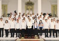 Momen Pertemuan Angela Tanoesoedibjo dengan Presiden Jokowi di Istana Bogor