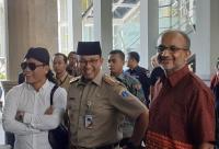 Anies Dampingi Gus Miftah 'Guru Spiritual' Deddy Corbuzier Ceramah di Masjid Balai Kota