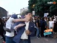 Jurnalis Pingsan Usai Dipukul Pedemo saat Laporkan Aksi Unjuk Rasa