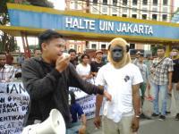 Mahasiswa Papua Gelar Aksi Damai di Depan UIN Jakarta, Lalin Macet