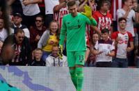 Adrian Blunder di Laga Liverpool vs Southampton, Wijnaldum Berikan Pembelaan