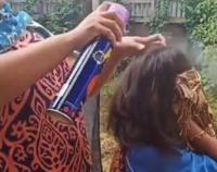 Viral Wanita Ini Basmi Kutu Rambut Pakai Obat Nyamuk Semprot