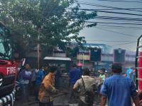Pasar Kedungmundu Semarang Terbakar, Pedagang Berhamburan Selamatkan Barang