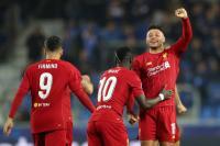 Komentari Gol Spektakuler Chamberlain, Van Persie: Penyerang pun Takkan Memikirkannya