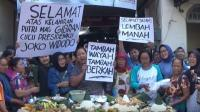 Cucu Ketiga Jokowi Lahir, Warga Pasar Gede Solo Gelar Tumpengan