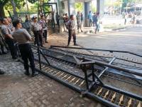 Demonstran Perusak Pagar Kantor Gubernur Sulsel dan Ngaku Tak Takut Tuhan Ditangkap